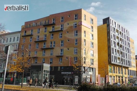 Hostel Meininger koji se nalazi na 10-tak minuta hoda do koledža GLS