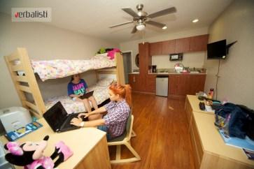 studentska rezidencija u Holivudu, Verbalisti
