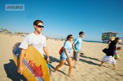 Verbalisti krecu na surfovanje, Kings koledz u Los Andjelesu