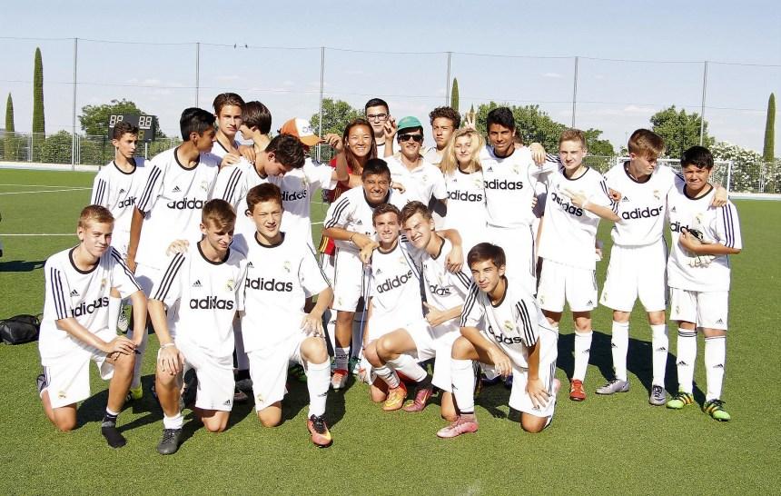 Polaznici jezicke mreze u skoli fudbala Real Madrid