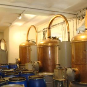 Copper stills for perfume