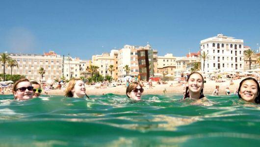 Language study in Barcelona, heading to the beach at Barceloneta