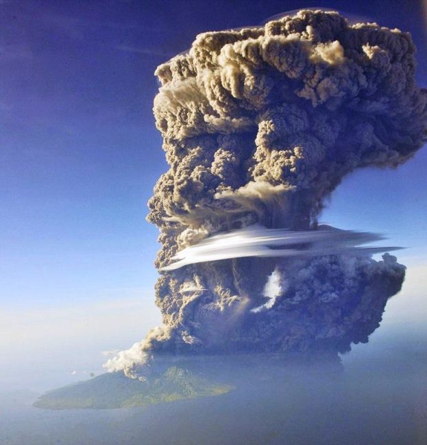 Sangeang Api volcano explosive eruption, May 30, 2014