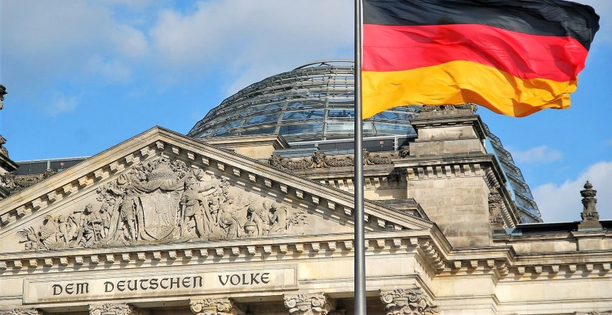 Germany bans non-EU students whose programs moved online to enter Germany in 2020