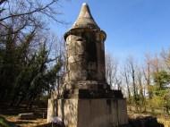 Tomba piramidale - Necropoli di Carsulae