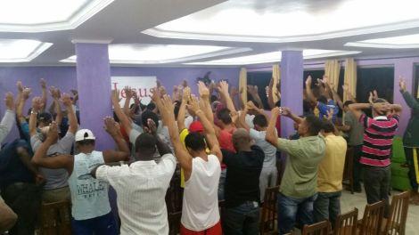 Dias 05 a 10abril15, Evangelismo em alojamentos, MRV, Macaé (6)