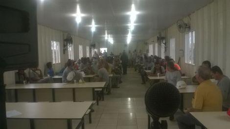 Dias 06 a 10 abril15, Cafés da manhã e almoços em Macaé, MRV (14)