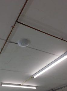 Acces Point aan het plafond