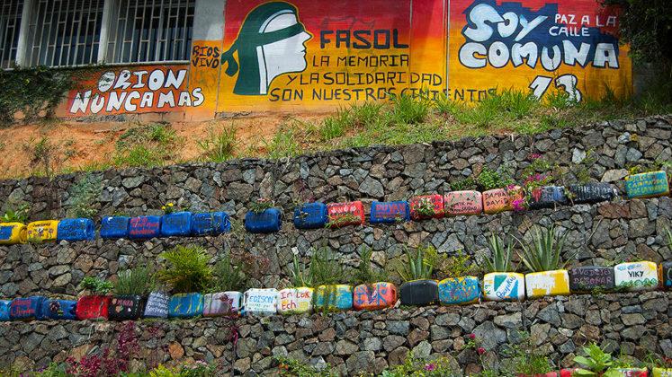 galeria-comuna-13-11-747x420 Rediscovering Comuna 13 in Medellín, Colombia Colombia Medellin South America