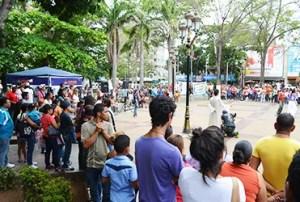 La plaza Bolívar de Porlamar fue escenario de las maravillas de Dios / VR