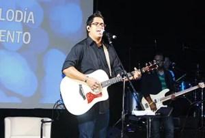 El pastor y cantante Daniel Calveti, ministró a través de la música y además dictó dos seminarios durante LiderVisión / EMC