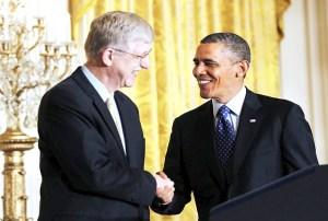 Collins ha trabajado en importantes avances médicos y científicos que dan testimonio de nuestro Creador, aquí junto al presidente Obama / EFE