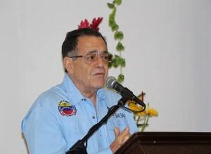 """Walter Boza, director general de Relaciones Institucionales, Religiosas y Culto, estableció que """"no sólo es importante leer la Biblia, sino practicarla"""" / VyV"""