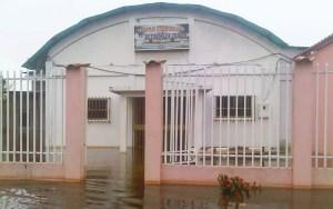 Hasta las iglesias han padecido el efecto de las inundaciones / Cortesía José Hernández