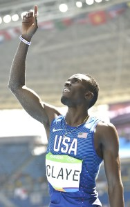 El atleta Will Claye siempre da la gloria a Dios antes y después de competir / EFE
