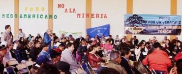 Intercambio de ideas en el Encuentro en Capulálpan. Foto: Cortesía