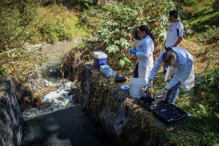 Descargas contaminantes en Tlaxcala. Foto: Mario Marlo