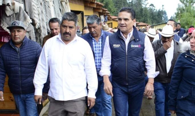 Homero Gómez con Silvano Aureoles