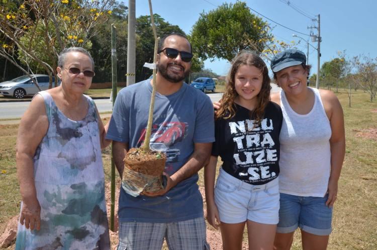 Família se encontra no lançamento do Projeto Neutralize-se