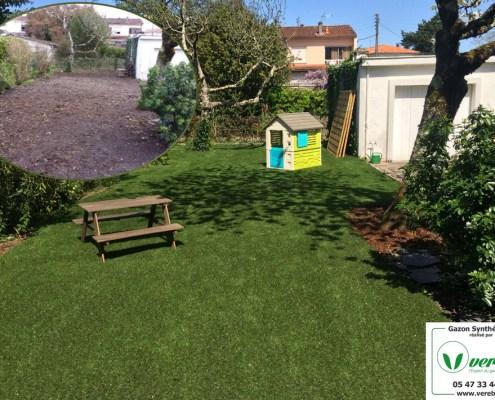jardin en gazon artificiel à Mérignac