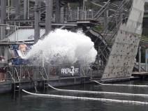 Beim Cannonball wird man mit Wasserkraft durch die Luft geschossen