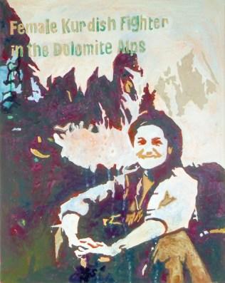 """""""FEMALE KURDISH FIGHTER in the Dolomite Alps"""" Eine unbekannte kurdische Kämpferin, deren Foto einen SPIEGEL-ONLINE-Artikel von 2015 illustriert. Auf dem Foto sieht sie ganz entspannt und aufgeräumt aus. Was sie wohl jetzt gerade tut?:/ [ Sie ist bestimmt bei Facebook. ]"""