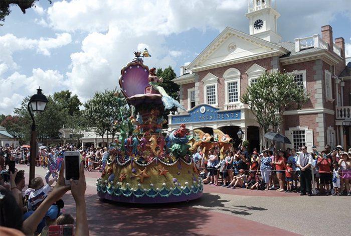 Daisy Cozijnsen - Disney Parade