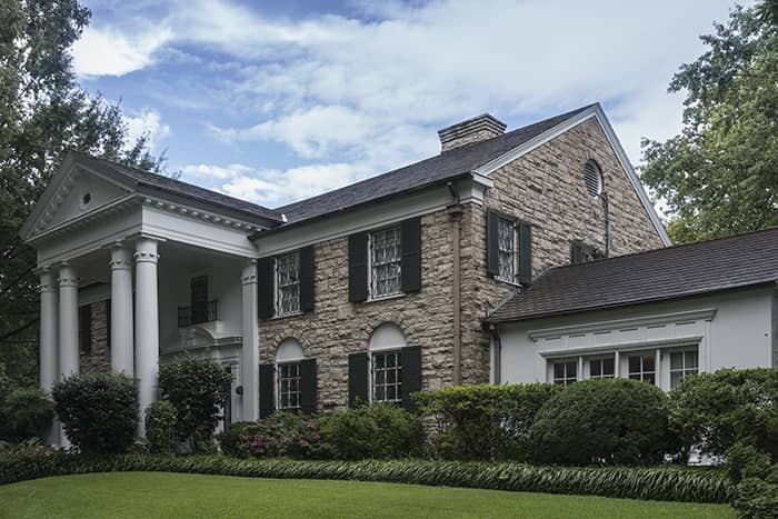 Graceland – Is Elvis still Alive?