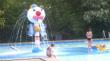Clown in ondiepe bad