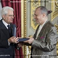 Il maestro Luigi Ontani premiato dal presidente della Repubblica Sergio Mattarella