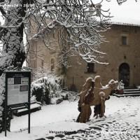 La magia del Borgo La Scola Grizzana M.) si presenta a Bologna. E da domenica torna il presepe