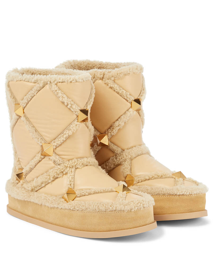 VALENTINO GARAVANI Roman Stud shearling trimmed leather snow boots