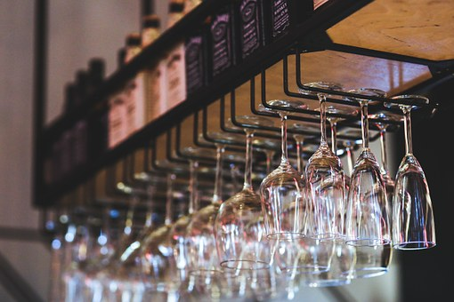 hangingglassware