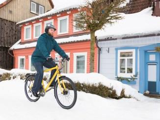 Mit einer angepassten Fahrweise und etwas Vorbereitung radelt man gut durch den Winter. - Foto: djd/Pressedienst-Fahrrad/Initiative RadKULTUR