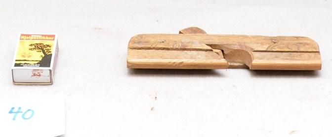 40. Hulkilhøvel L:176 H:44 B: 20 Vinkel i seng. Material Bjørk: Stål: Smidd og laminert.