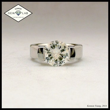 Diamond solitaire white gold