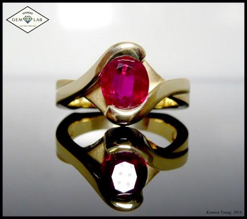 Ring ruby gold half bezel bypass