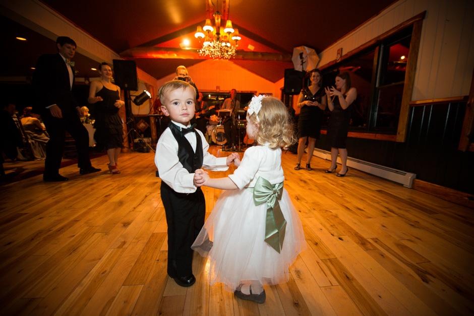 vermont-wedding-photographers-duback-photography-whiteface-club-023