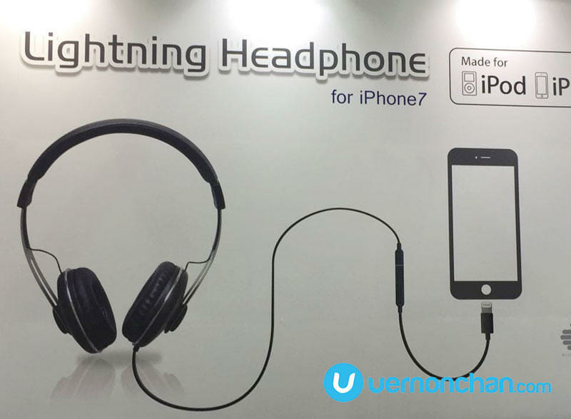 Axpro Lightning headphones for iPhone 7