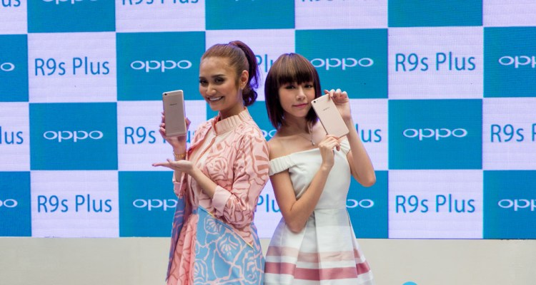 Ayda Jebat and Min Chen OPPO R9s Plus