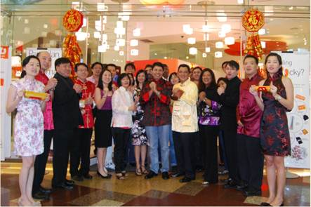 Dr. Kaizad Heerjee (middle), CEO of U Mobile Sdn Bhd's along with the company's senior management staff extended their Chinese New Year wishes to U Mobile customers and to those who are celebrating the festival.