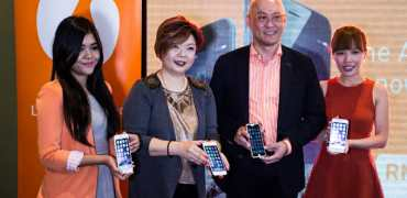 Wong Heang Tuck, Chief Executive Officer of U Mobile and Jasmine Lee, Chief Marketing Officer of U Mobile