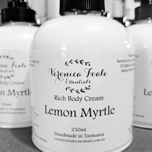 Rich Body Cream Veronica Foale Essentials