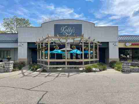 Exterior view of Kelly's Bar & Grill, a great place for breakfast in Holland
