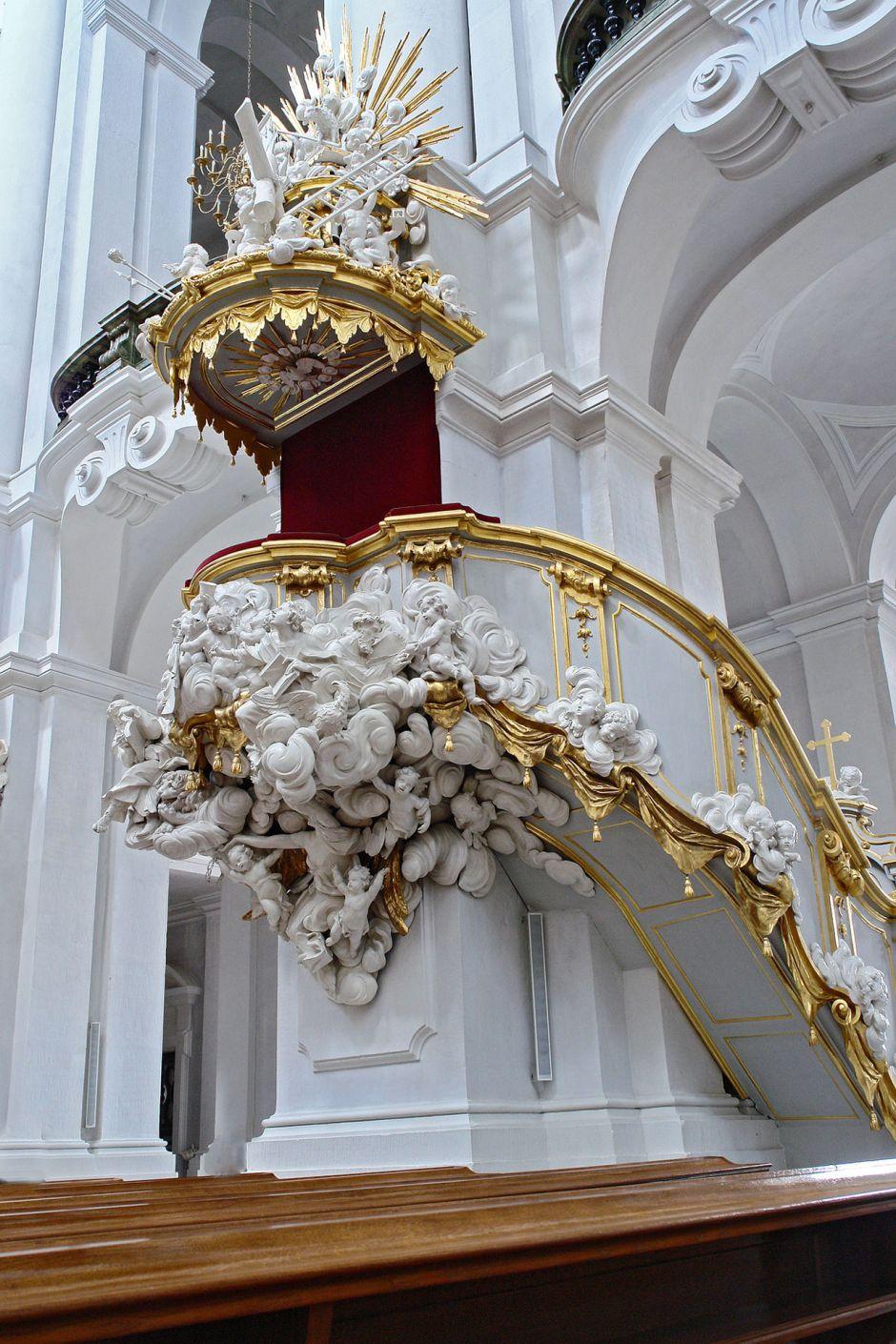 dresden-hofkirche-kanzel