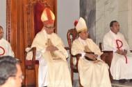 Mgr. Henri (uskup emeritus), Mgr. A. Sudarso (administrator apostolik), RD. Hari Prabowo (vikjen)
