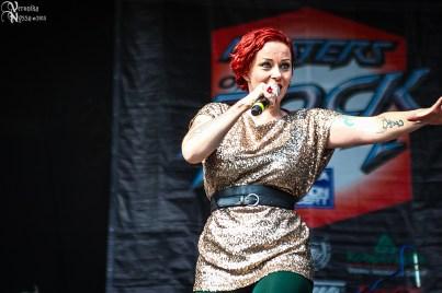 Anneke-van-Giersbergen_Masters-Of-Rock-2013_15