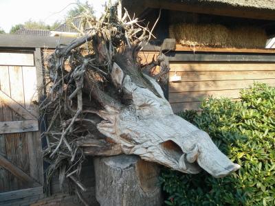 houtsnijwerk zwijn