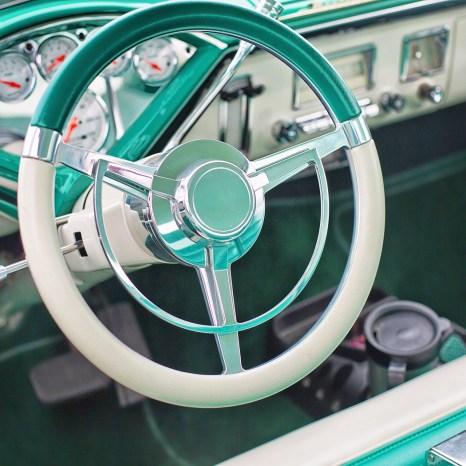 vintage-car-852239_1920