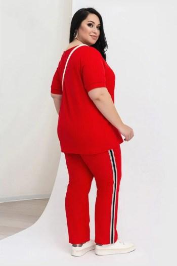 Универсальные женские спортивные костюмы